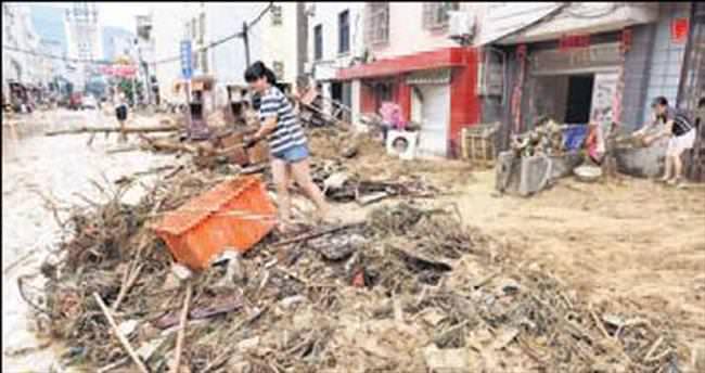 Çin'de tropik fırtına: 6 ölü