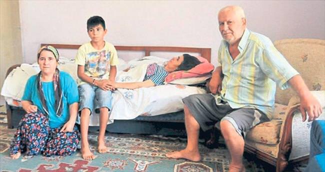 MS hastası İsmihan'ı Lütfi Elvan sahiplendi