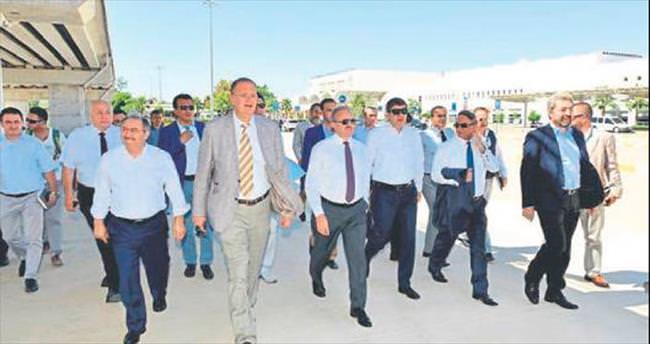 Havalimanında Antalya zirvesi