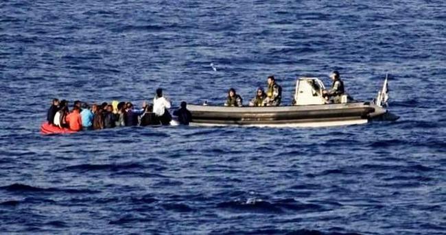 Kaçak teknesi alabora oldu: 1 çocuk öldü, 6 kayıp