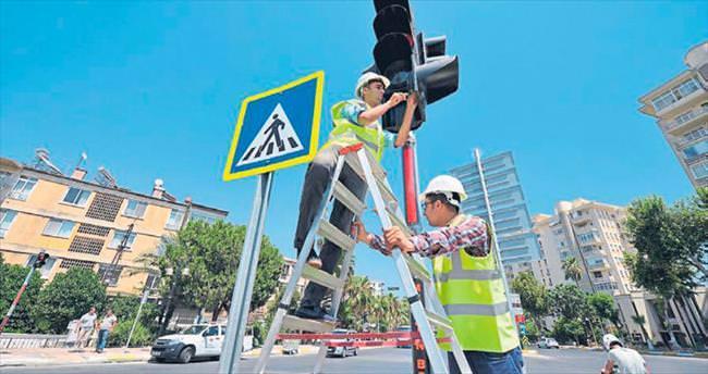 Büyükşehir'den trafiği rahatlatan dokunuşlar
