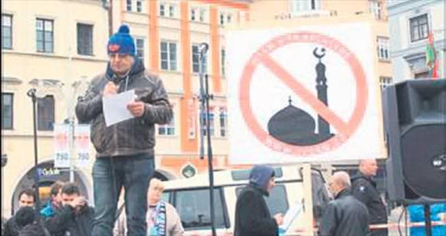 Çekya'da sığınmacı karşıtı milis kuvvet