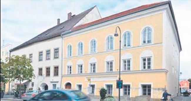 Hitler'in doğduğu ev ülkeyi karıştırdı