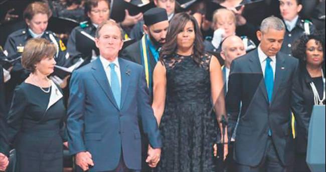 Törende Obama ağladı Bush dans etti