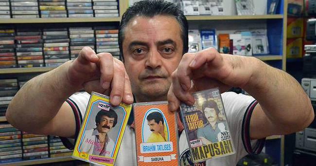 Eski kasetçinin nostaljik koleksiyonu