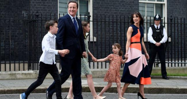 Cameron'ın kızının elbisesi mağazalarda tükendi