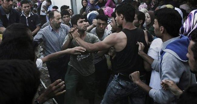 Mülteci kampında bıçaklı-sopalı kavga: 1 ölü, 8 yaralı