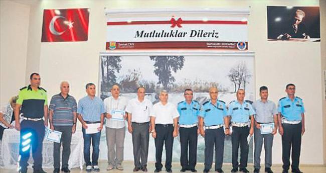Kaymakam Atmaca'dan trafik polislerine belge