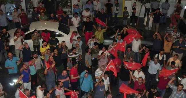 İstanbul'da vatandaşlar sokağa döküldü
