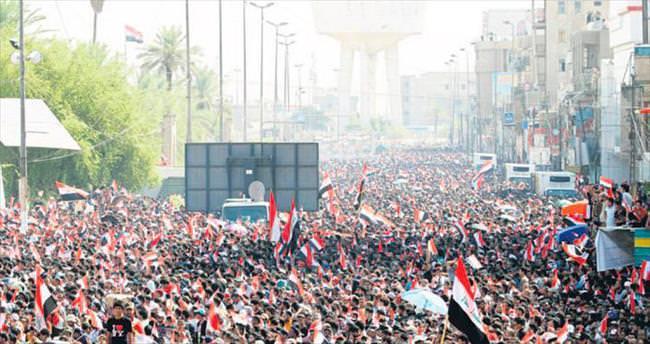 Bağdat'ta 400 bin kişi hükümeti protesto etti