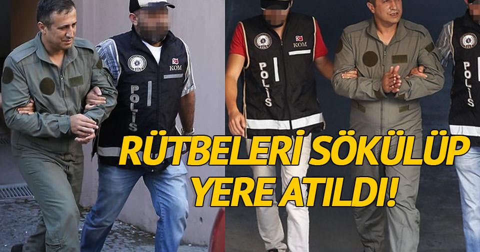 Gözaltına alınan hainlerin rütbeleri söküldü