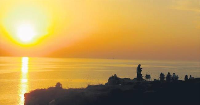 Gün batımının kızıllığında BOZCAADA