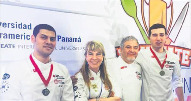 Gastronomi öğrencileri Panama'da madalya aldı