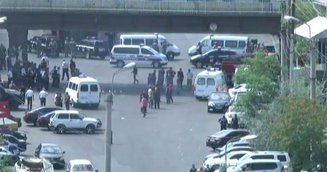 Ermenistan Erivan'da polis karargahına saldırı