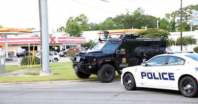 Louisiana'da üç polis daha vuruldu