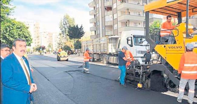Çukurova'da asfalt çalışmaları tam gaz