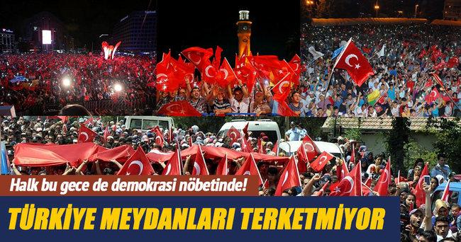 Halk bu gece de demokrasi nöbetinde!