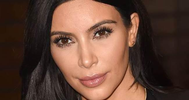 Kim Kardashian selfie çekerek 700 bin dolar kazandı