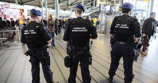 Belçika'da darbe girişimi karşıtı gösteride polise soruşturma