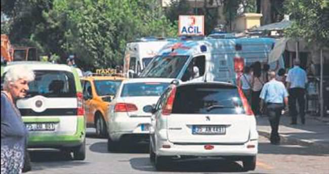 Hastane önünde trafik sıkışıklığı