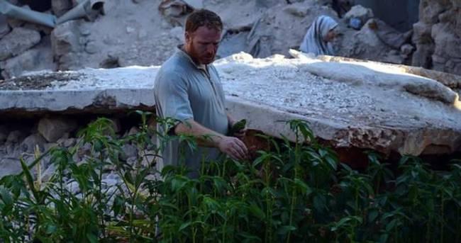 Halep'te yıkıntılar arasında sebze bahçesi