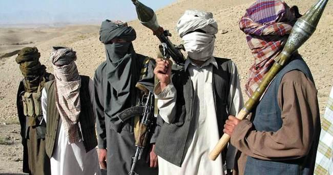 Afganistan'da 260 Taliban üyesi teslim oldu
