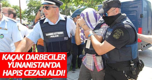 Darbeci askerler Yunanistan'da hapis cezası aldı!