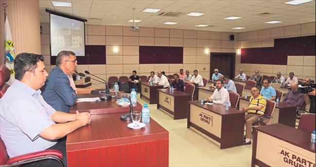 Yüreğir Belediye Meclisi FETÖ girişimini lanetledi