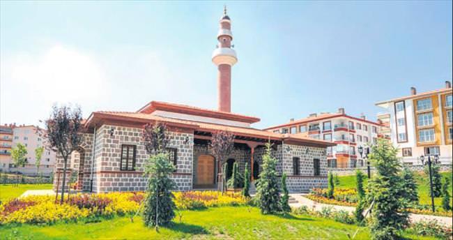 Mahalle camileri Altındağ'a yakıştı