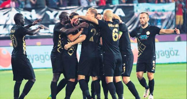 Osmanlıspor gol şovla tur atladı