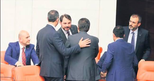 Bakan Albayrak'a 'Geçmiş olsun' dileği