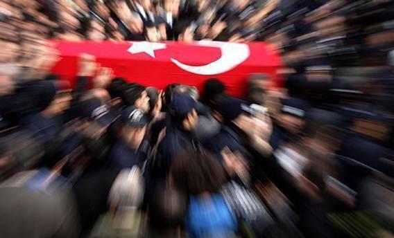Diyarbakır'da hücre evini basan polis İle teröristler çatıştı