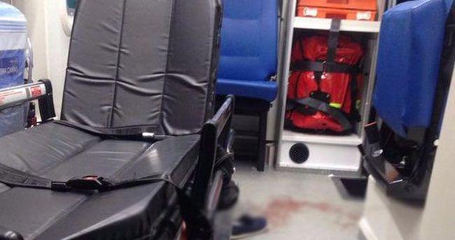 Van'da teröristlerden ambulansa silahlı saldırı