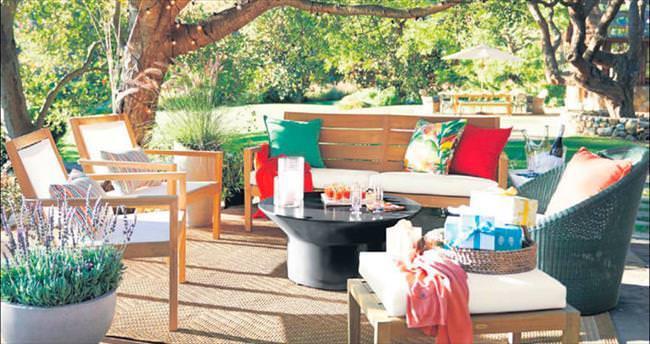 Bahçe ve balkonlara renkli dokunuş
