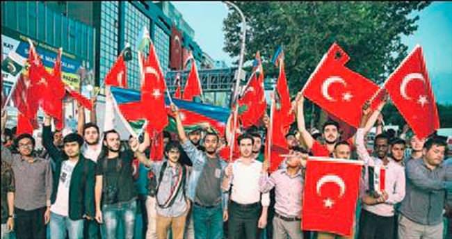 Kızılay Meydanı'nda demokrasi nöbeti devam ediyor
