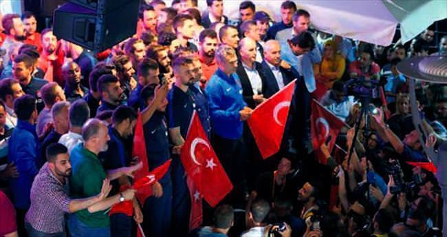 Trabzonspor kulübü 'demokrasi nöbeti'nde