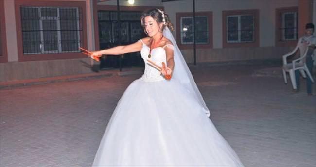 İngiliz damat kendi düğününe katılamadı