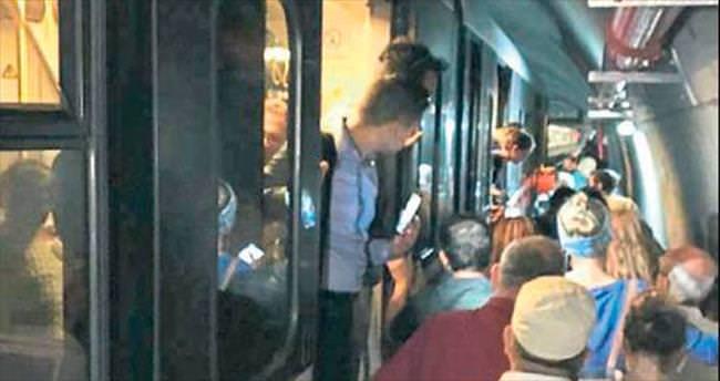 Metroda 14 saatlik teknik arıza korkuttu