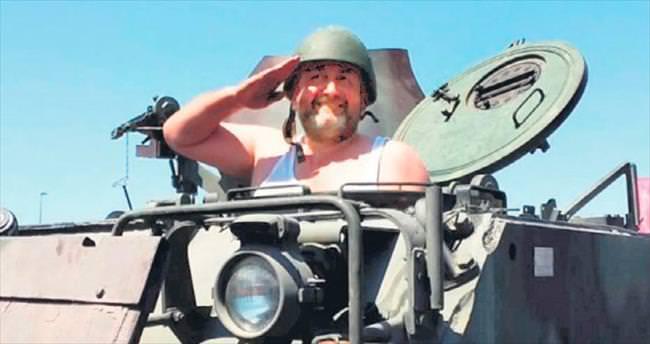 5 dakikada tank sürmeyi öğrenen bir milletiz...