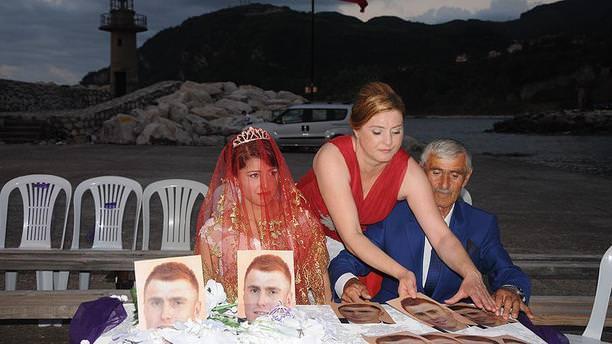 Darbe girişimi olunca düğün damatsız yapıldı