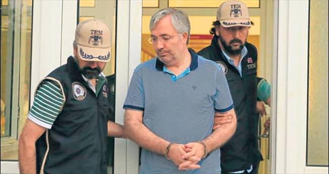 İki yönetici tutuklandı