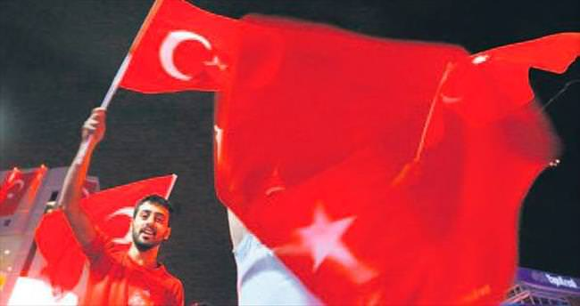 Avusturya'da Türk bayrağına yasak geldi