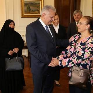 Başbakan Yıldırım darbe girişimine direnen vatandaşları kabul etti