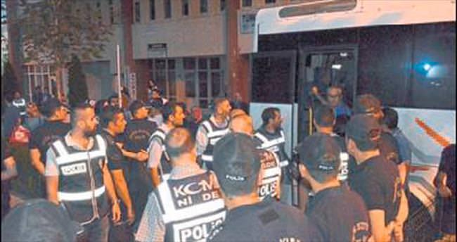 Niğde'de 30 polis daha cezaevinde