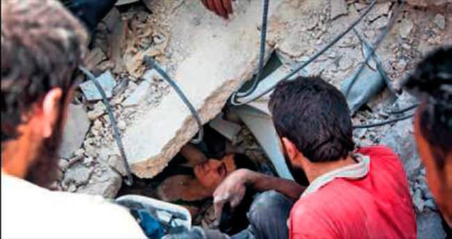 Halep'te bomba Lazkiye'de parti