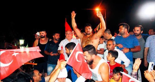 Er Meydanı'ndan demokrasi meydanına