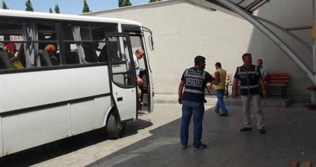 İzmir'de 17 asker tutuklandı