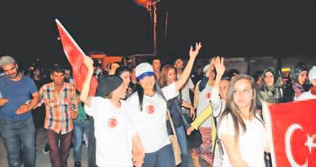 FETÖ'ye karşı Cizre'den Tekirdağ'a omuz omuza
