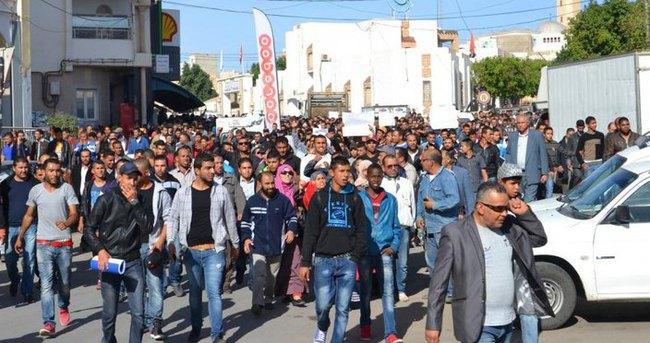Tunus'ta 'yolsuzluk kanunu' protestosu