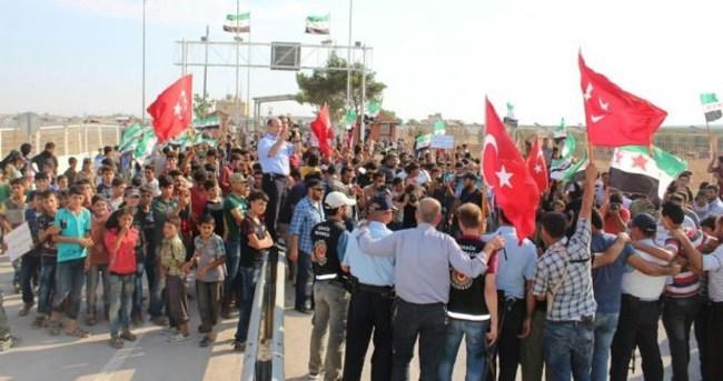 Suriyelilerden FETÖ'nün darbe girişimine tepki